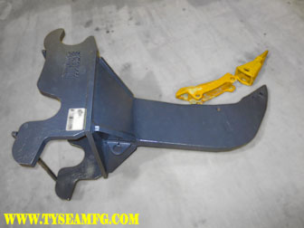 Excavator ripper attachment manufactured by Tysea Mfg.  Our rock rippers come with a replaceable tip and wear plate for increased durability to key components and reduced down time.  In addition to a fully gusseted base plate.