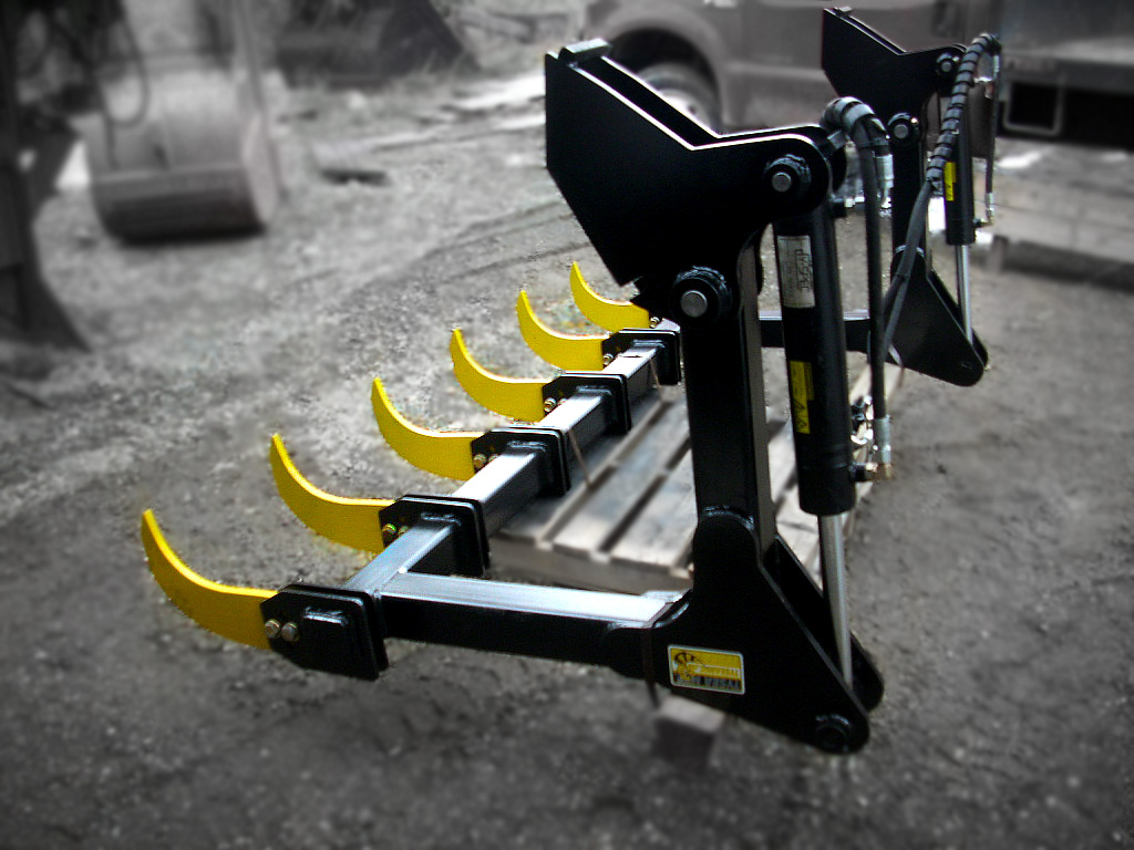 Bucket grapple for wheel loader, dozer and crawlers