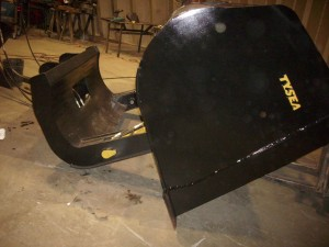 HEAVY DUTY WHEEL LOADER TIP OUT BUCKET / ROLL OUT BUCKET