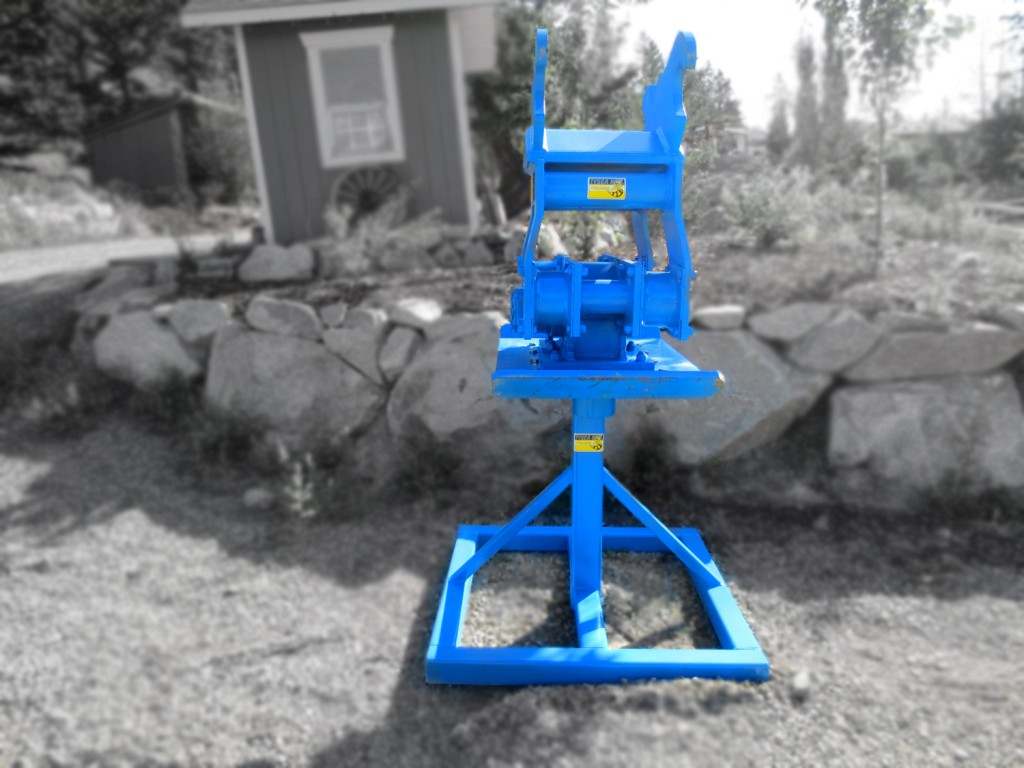 Heavy duty excavator hoe pac, compaction plate with spike and stand manufactured by Tysea Mfg