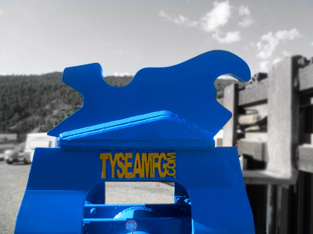 Heavy duty excavator hoe pac vibratory compaction plate manufactured by Tysea Mfg.