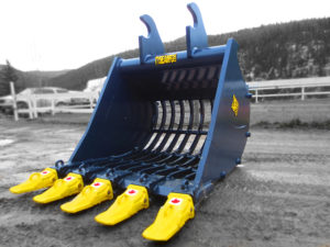 Heavy duty excavator skeleton or rock sifting bucket.  Complete with replaceable pin on teeth, custom rib spacing and custom lugging.
