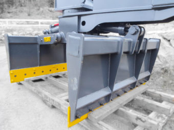 Excavator mat grapple attachments.  Economical size, shrunk down to customer specs, a smaller version to our full size matting grapple.  Both grapple arms are complete with replaceable bolt on edges.