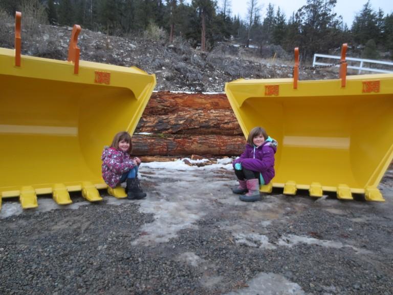 Tysea's Manufacturing's heavy duty v-buckets, family photo
